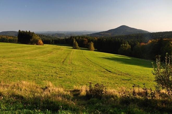 Pohled od Lückendorfu na Sokol.