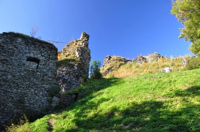 U zříceniny hradu Tolstejn.