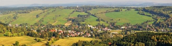 Panorama Jiřetína pod Jedlovou.