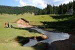 Planina Caput ukazuje jak potok může zmizet do podzemí. Krásné místo naštěstí není snadno dostupné, od Padisu ho dělí několik set výškových metrů.