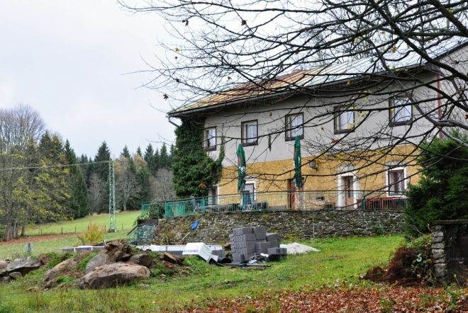 Kamenný dům.