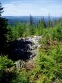 Kolem jsou dlouhé kamenné valy, nakonec tak se jmenuje i hlavní vrchol, který je tady nedaleko. A výška 1010m je také úctihodná. Vyšší keltské opidum tuším u nás nikde není, nedaleké známé Sedlo je 908m vysoko.