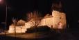 Hradby a dělostřelecké bašty jsou nočním osvětlení jsou kouzelné...