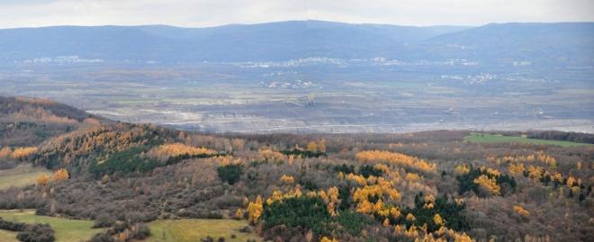 Ledvický důl je zakrytý hřebenem Kaňkova.