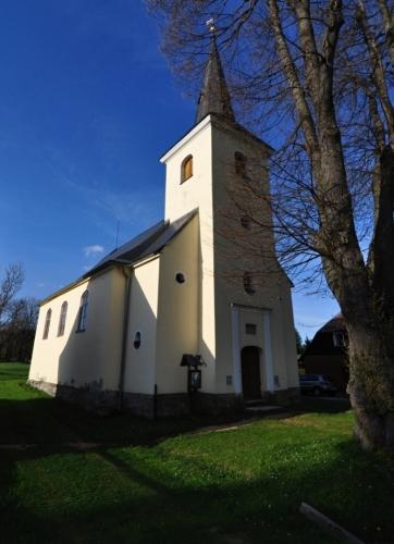 Kostel v Rejvízu.