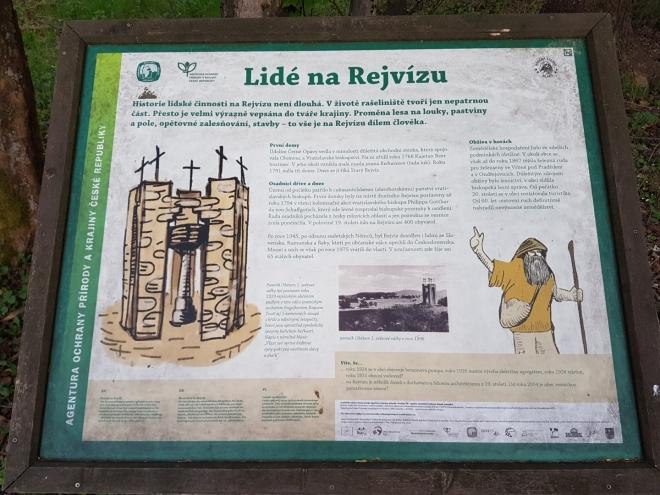 Památník rejvízským obětem l. sv. války.