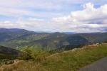 Vlevo vzadu je Keprník, před ní Červená hora.