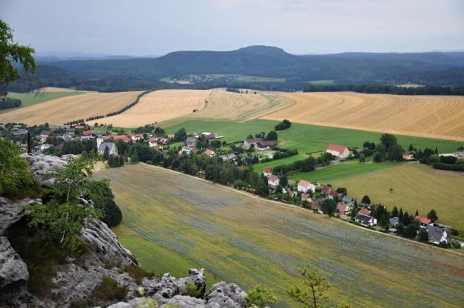Papstdorf a vzdálený Zschirnstein