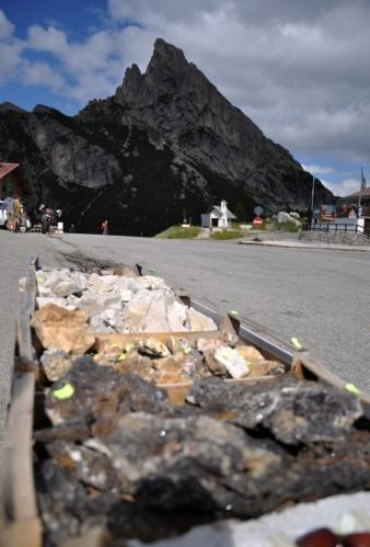 Sedlo Falzarego je vhodným místem pro prodej minerálů.
