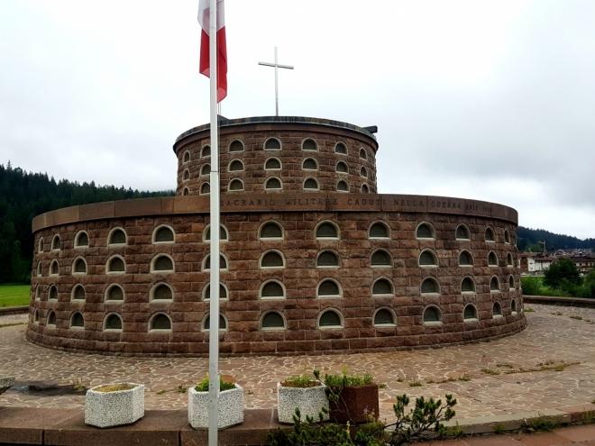 První zastávka v Itálii patří památníku l. světové války.