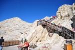 Horní stanice he nedaleko Tofana di Mezzo (3 242 m)...