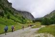Stoupáme prostorným údolím k Lucknerhütte...