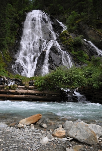 Poslední zastávka v Hohe Tauern je u vodopádu Schleierwasserfall.