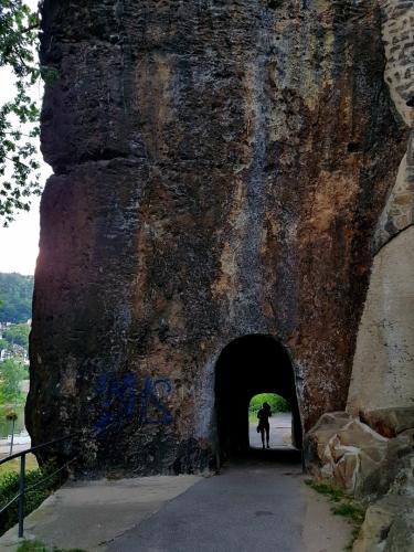 Skalní tunel.