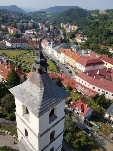 Pohled z hradní věže...