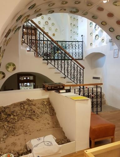 I muzeum keramiky je umístěno ve starém domě a tak ho zdobí nejen samotné exponáty, ale i architektura objektu.
