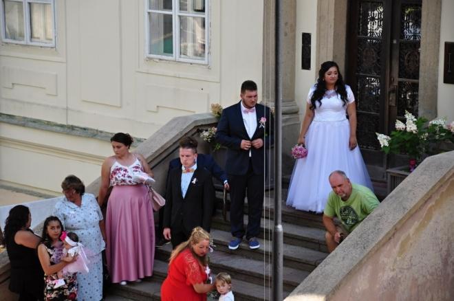Na cikánské svatbě.
