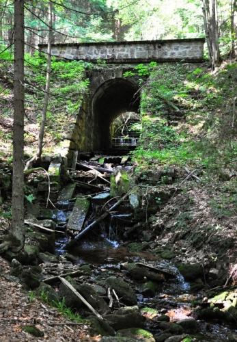 Viadukt staré cesty.