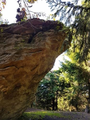 Vyhlídková skála pod vrcholem Smrku.