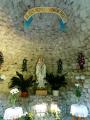Kaple zasvěcená Panně Marii Lurdské je stylyzována jako jeskyně zapuštěná do svahu. Byla postavena roku 1902 jako poděkování manželky továrníka Bumbaly za navrácené zdraví. (www.mapy.cz)
