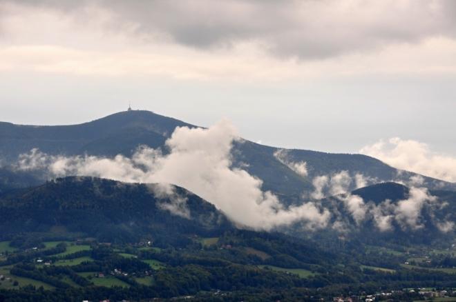 Lysá hora v horoucím kotli.