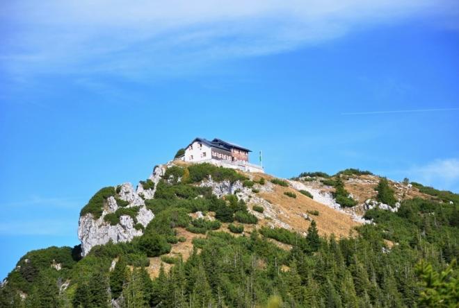 Gmundner Hütte poskytuje výhled na stejnojmenné město, u něhož parkujeme.