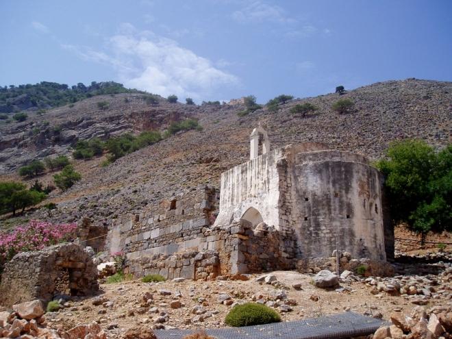 Nad Agií Roumeli je krajina typická - vyprahlá.