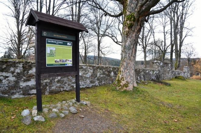 Prášilský hřbitov je němým svědkem pohnuté historie.