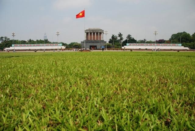 Hanoj - Ho Či Minovo mauzoleum...