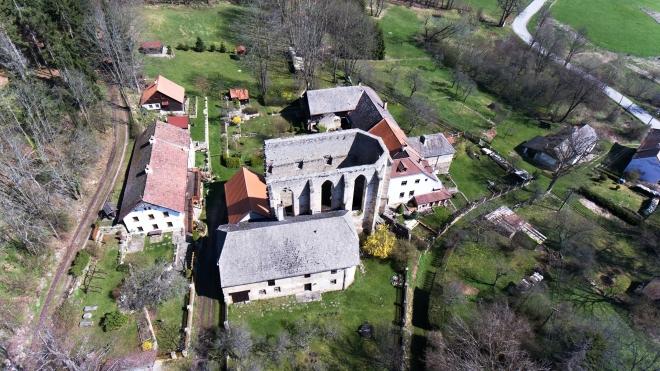 Kuklov - klášter.