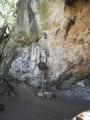 Aksamitova brána vede do podzemí. Na vrchol Kotýze musíme vystoupat nad ni...