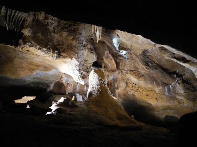V Koněpruské jeskyni. Nyní již nebudu rušit...