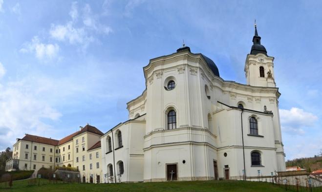Kostel je mnohými odborníky označován jako nejkrásnější barokní stavba v ČR.