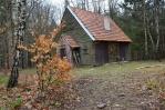 Lovecká chata na vrcholu Skal.