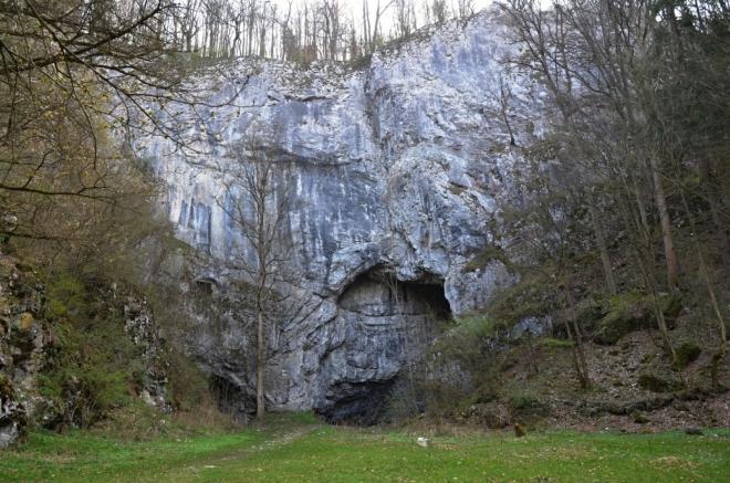 Jeskyně Býčí skála.