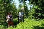 Bratři v triku na vrcholu Dlouhého hřbetu.