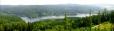 Pohled shora z věže na Landštejnskou přehradu je malebný.