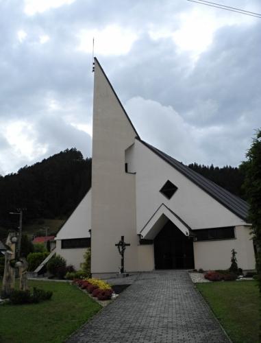 Kostel Sedmibolestné Panny Marie.