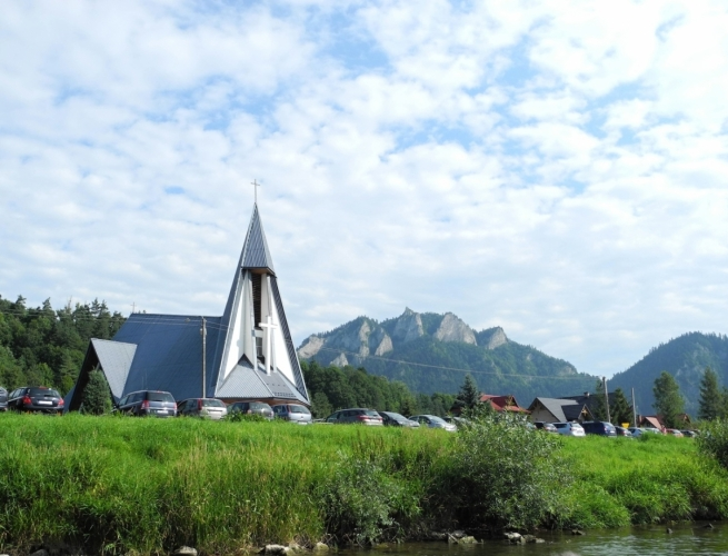 Kostel za Dunajcem.
