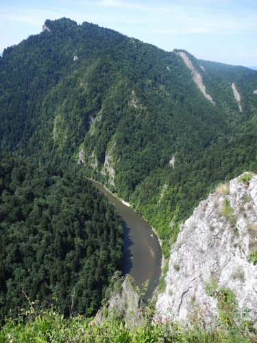 Hluboké je údolí Dunajce.