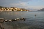 Moře u pláže v Igalu je velmi mělké. I proto jsme přistáli o pár km dál v Herceg Novi. Ale času do odjezdu domů (21 hod) jsme měli dost.