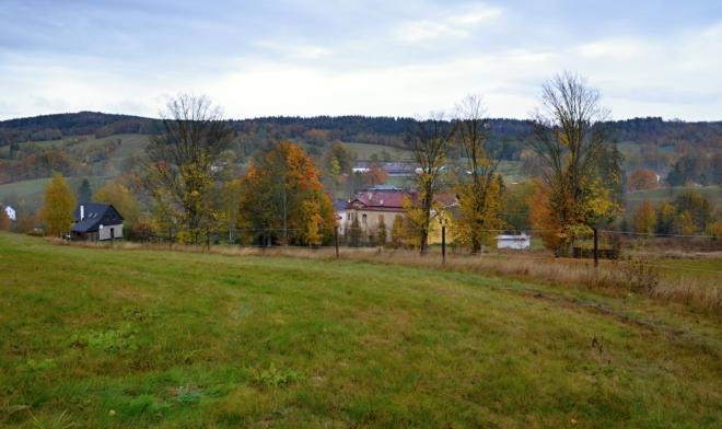 Brtníky leží na severním okraji Českého Švýcarska.