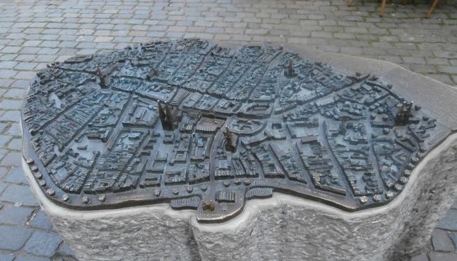 Bronzová 3D mapa města