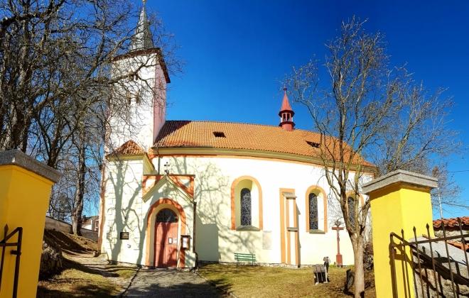 Kostel v Česticích.