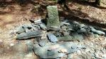 Historický hraniční kámen z roku 1740 při cestě ze Ztracených kamenů na Skřítek.