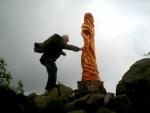 Meluzína, atraktivní vrchol Krušných hor zůstává bez vyznačené turistické stezky.