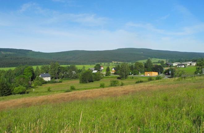 Orlické Záhoří má trefný název, leží za horami u hranice s Polskem.