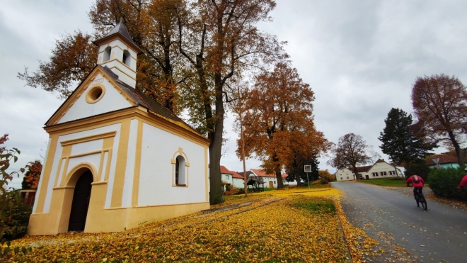 Kaplička v Krtelech.