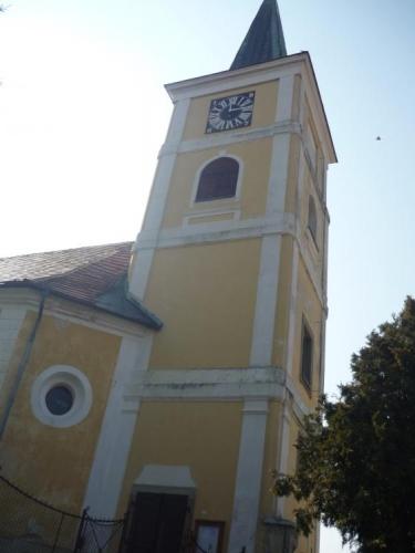 Kostel ve Střelských Hošticích