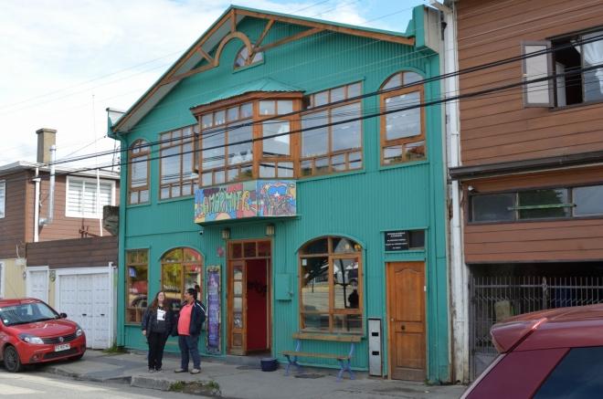 La Marmita, restaurace u řeky. Ve čtvrt na dvě poznáme místní kuchyni.